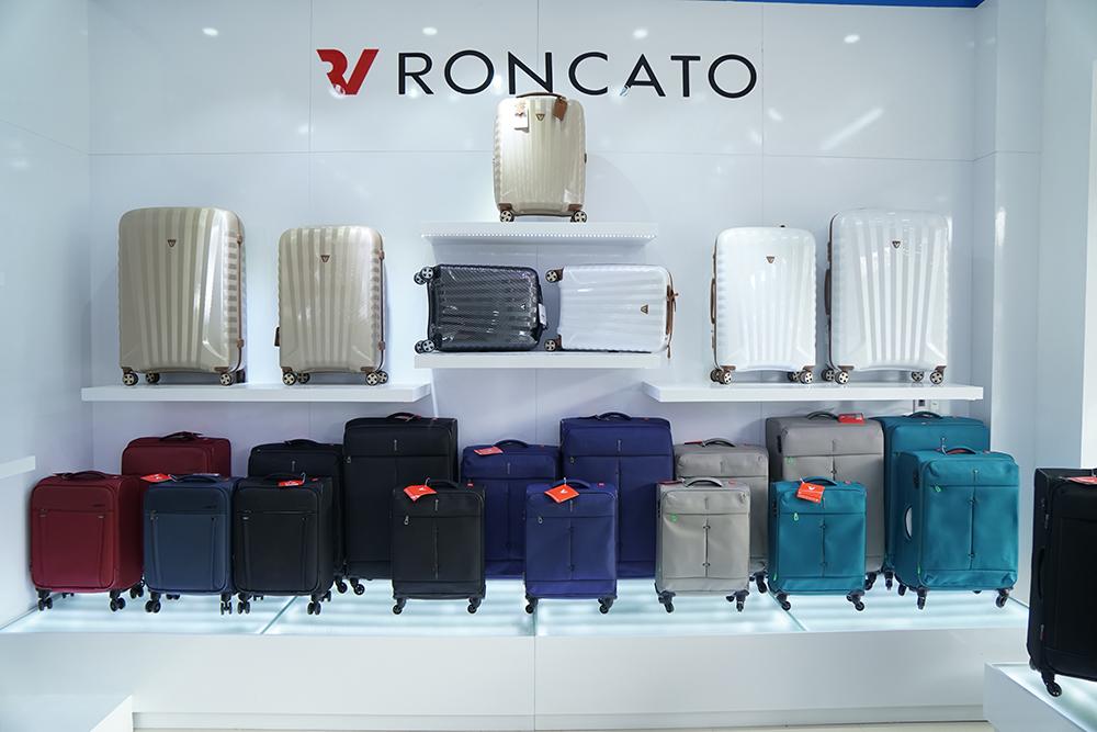 Cửa hàng vali kéo với thương hiệu Quốc tế độc quyền