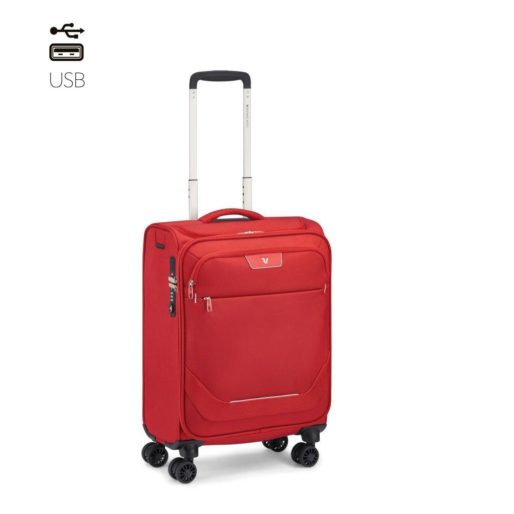 Màu đỏ ấn tượng của vali Roncato vải siêu nhẹ