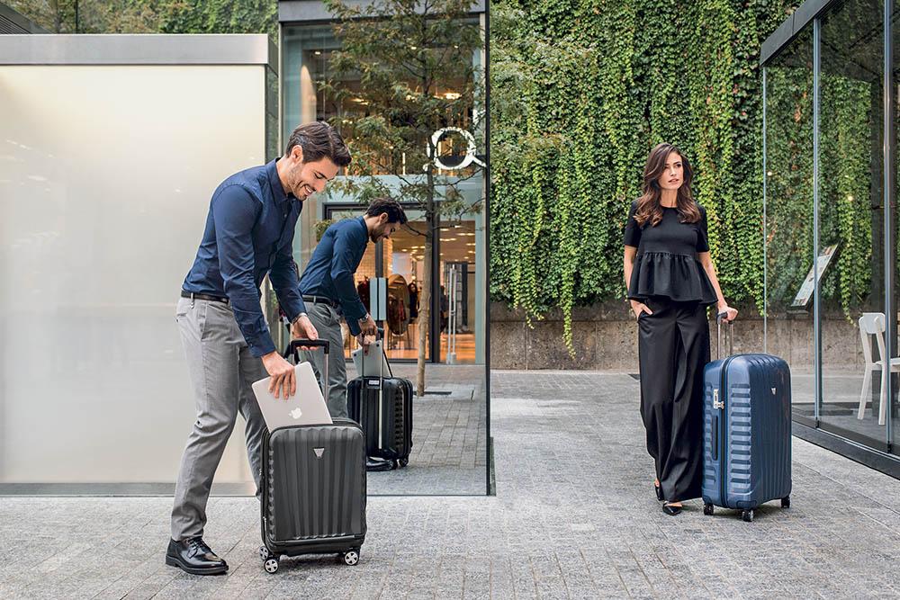 thương hiệu vali kéo tốt nổi tiếng ở việt nam với Roncato từ Ý